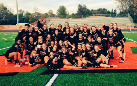Seniors dominate juniors in Powder Puff football game