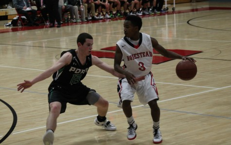 Homestead's boys basketball looks to rebound against a conference rival