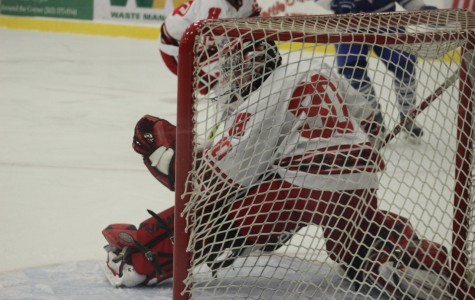 Boys hockey to face off against conference rival