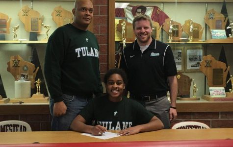 Silver commits to the Green Wave