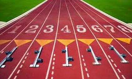 Track runner breaks hip, out for season