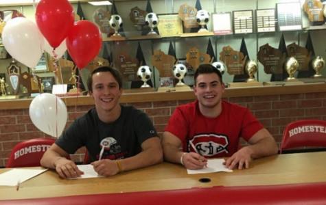 Best friends to continue football careers together
