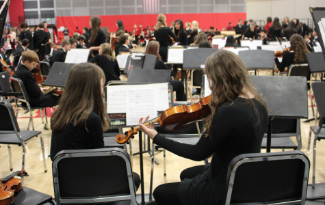 Students perform in the annual band, orchestra and choir showcase