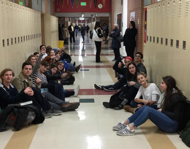 Drama club students protest in the 900 hundred wing outside of the parent meeting on Nov. 14.