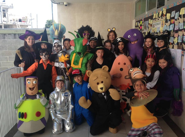 Senora+Perez+and+her+class+in+Mexico+on+Halloween.+Perez+worked+in+Mexico+for+3+years+prior+to+coming+to+Homestead.