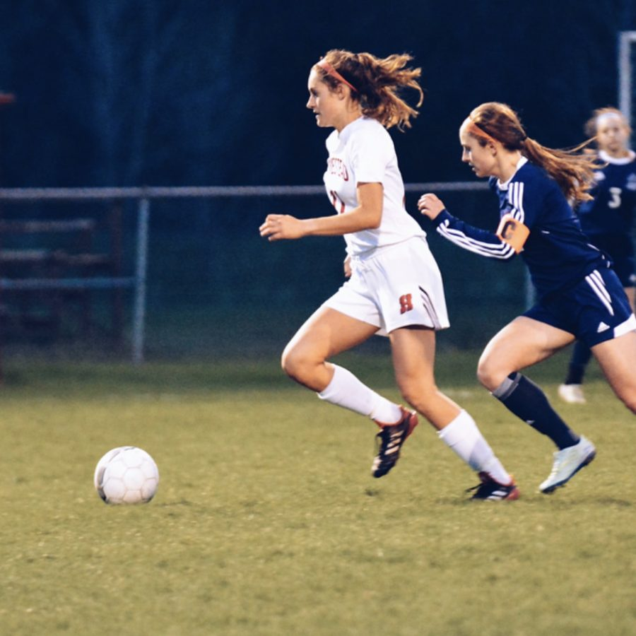 Lauren+Fitzsimmons%2C+junior%2C++is+ready+for+the+upcoming+soccer+season.+She+will+be+one+of+the+varsity+team%27s+captains.