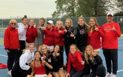 Girls tennis wins sectionals, qualifies for team state