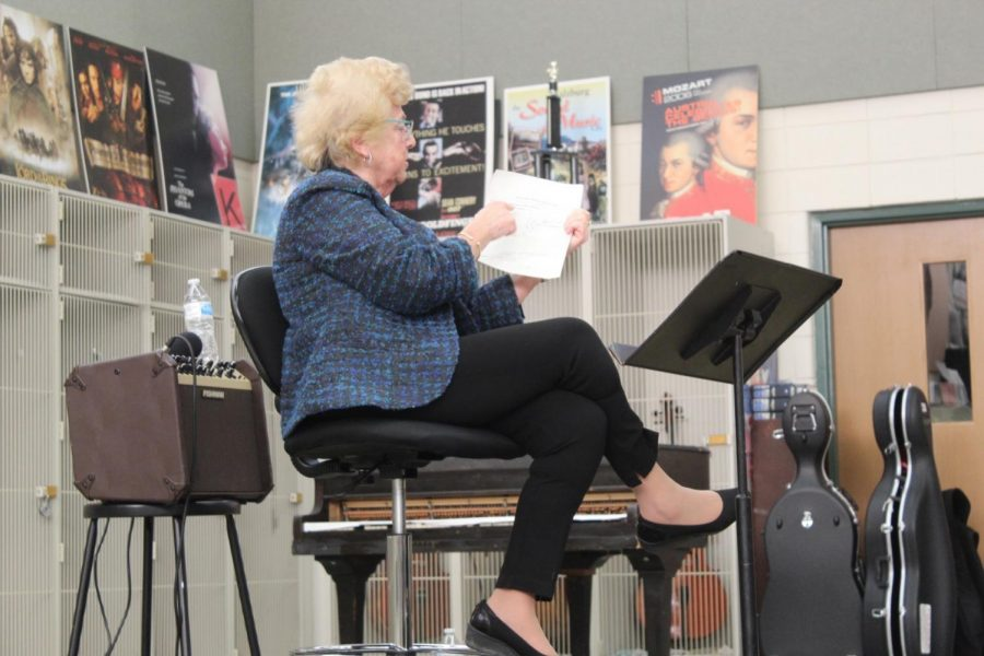 Holocaust survivor gives talk to orchestra students