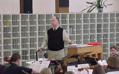Shelby Dixon teaches an orchestra class at Homestead in early 2001.